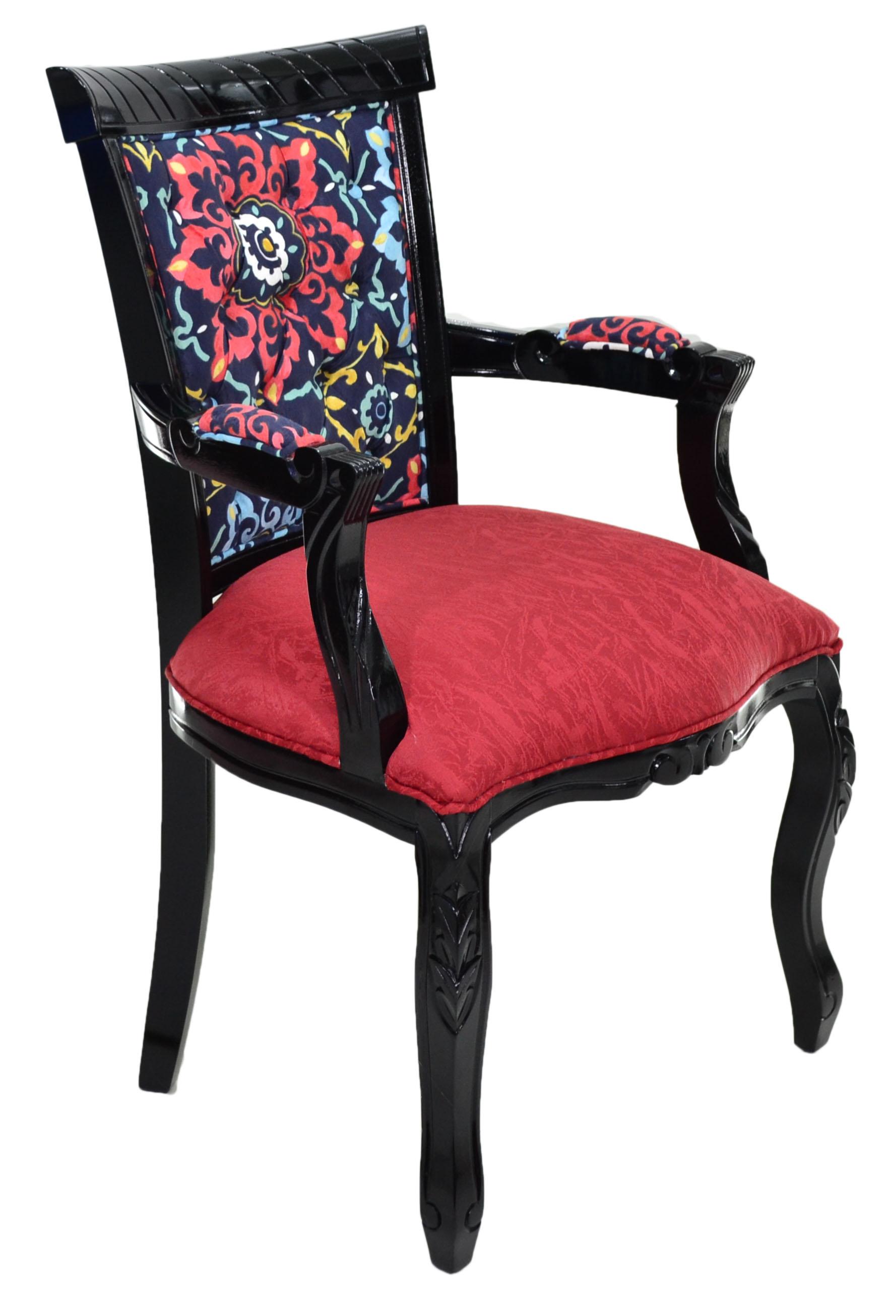 cadeira luis xv entalhada preta e vermelha